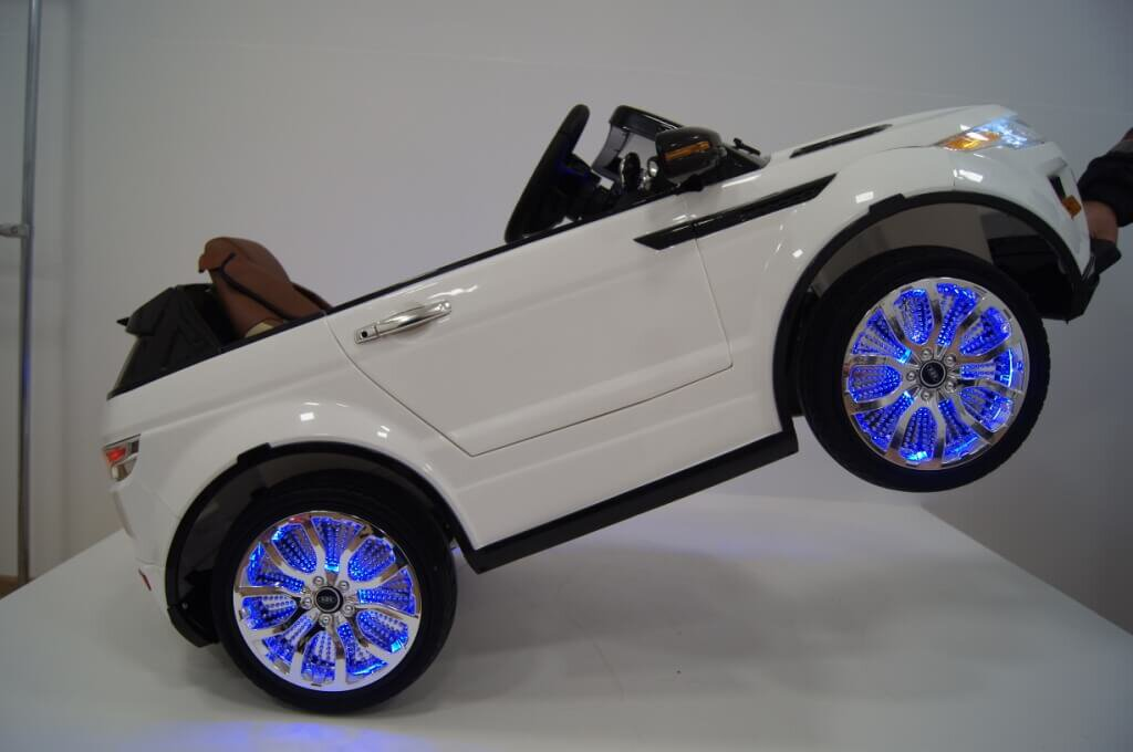 Электромобиль RiverToys Range Rover A111AA VIP WHITE