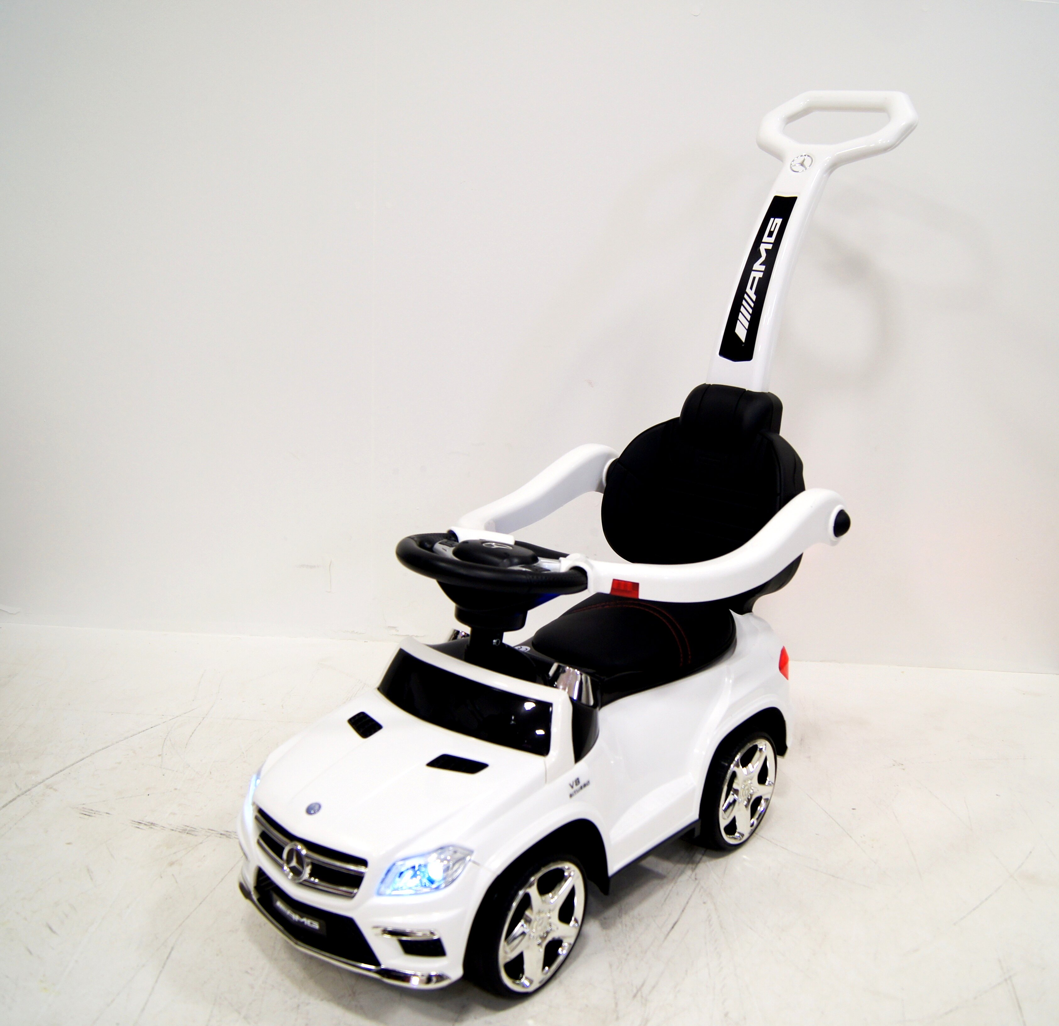 Толокар RiverToys Mercedes-Benz GL63 A888AA-M White