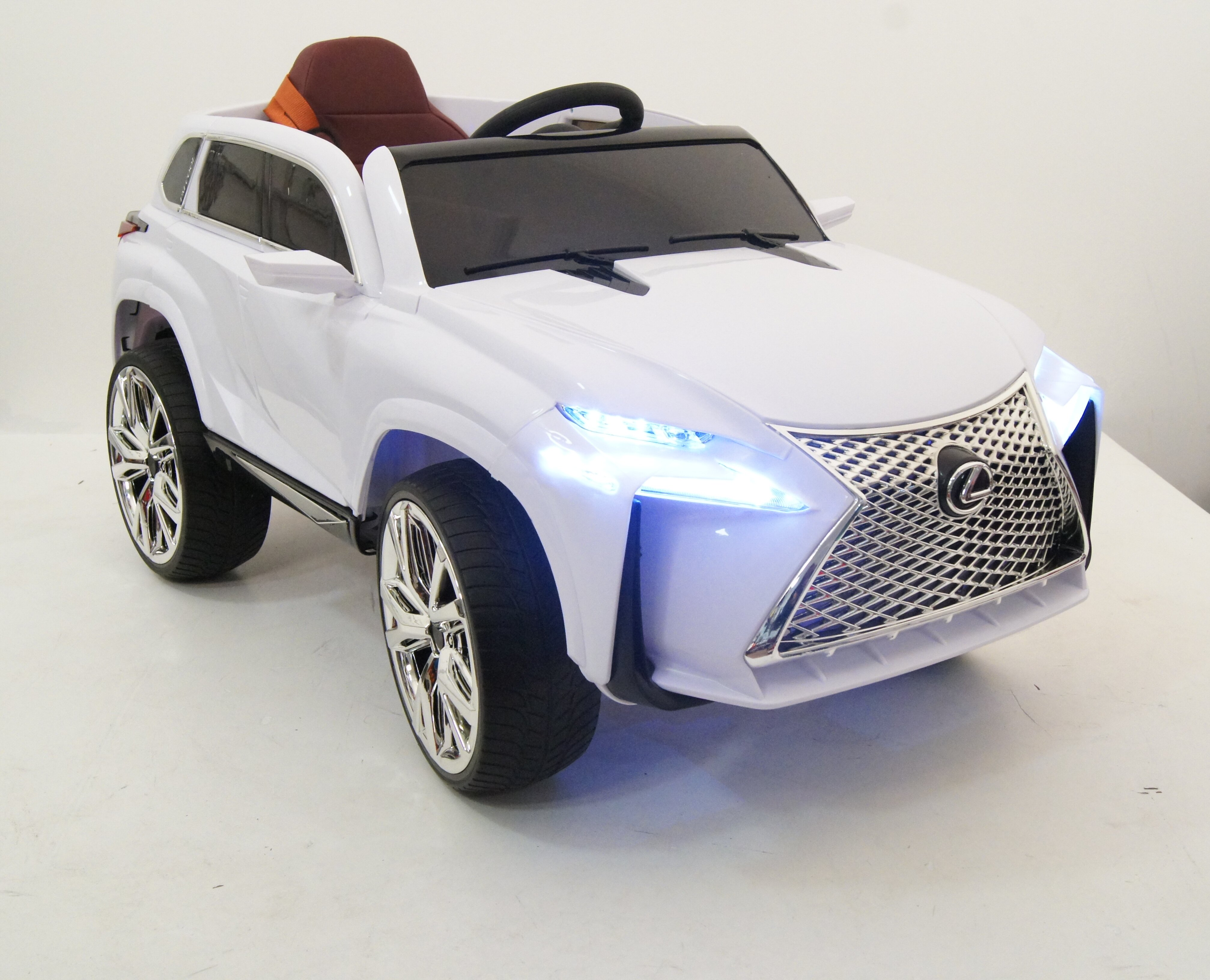 Электромобиль RiverToys Lexus Е111КХ WHITE